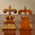French Fleur-de-lis Symbol Resin Bookend