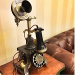 European Antiqued Telephone With Metal Rotating Plane